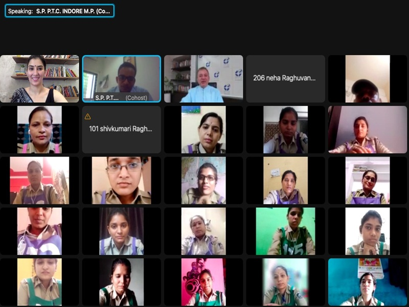 Indore News: महिला कांस्टेबलों को अर्थसंगिनी एनजीओ ने सिखाए वित्तीय प्रबंधन गुर