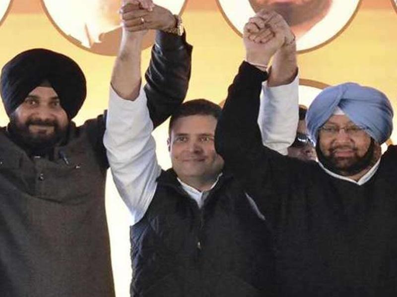 Congress: 'कैप्टन' को बचाने में जुटे राहुल गांधी, सोनिया ने गुरुवार को बुलाई AICC की बैठक