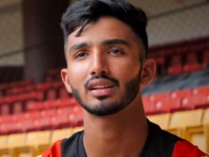 IPL 2020: देवदत्त पडिक्कल ने डेब्यू मैच में जड़ा आक्रामक अर्द्धशतक, खास ग्रुप में शामिल
