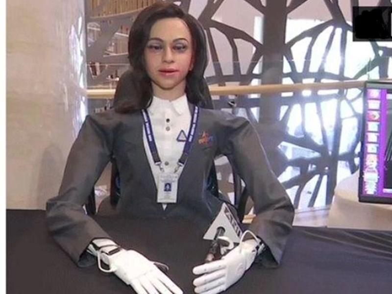 ISRO के गगनयान मिशन पर जाएगी लेडी रोबोट Vyomitra, जानिये इसकी खूबियां