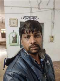 जहरीली शराब बेचने के 10 हजार इनामी प्रदीप राठौर ने कोर्ट में किया सरेंडर