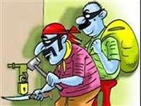 किसान के घर से कीमती जेवर व 45 हजार रुपये नकद ले गए चोर