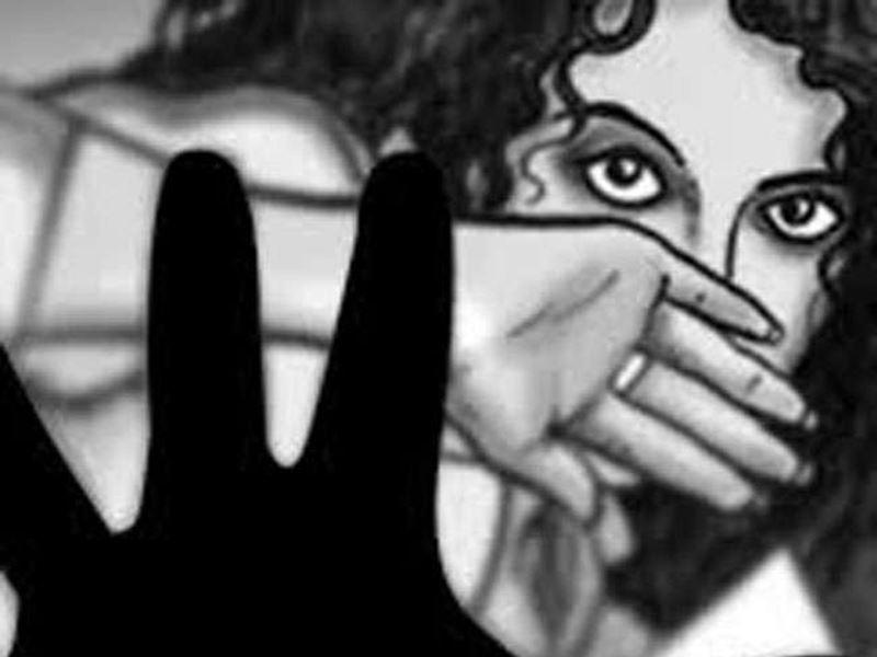 महिला कर्मियों को प्रताड़ित करने के मामले में फंस सकते हैं मोहनलाल मीणा