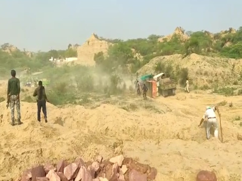 Morena Sand Mafia News: रोका तो रेत माफिया ने की राजस्थान पुलिस पर गोलीबारी, पुलिस ने भी दिया जवाब, देखिये वीडियो