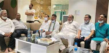 नगर आगमन पर प्रभारी मंत्री जय सिंह का स्वागत