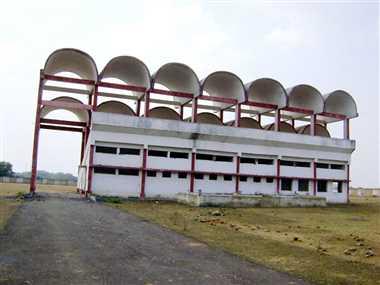 खेल सुविधाओं से महरूम जिले के खिलाड़ी, सिपर्ᆬ नाम का स्टेडियम