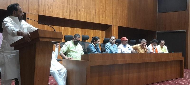 जबलपुर में प्रभारी मंत्री गोपाल भार्गव ने कहा कि तीसरी लहर नहीं आई तो जल्द होंगे चुनाव