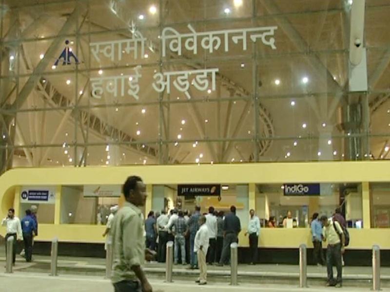 Air Service In Raipur: बीते साल तुलना में इस साल एक लाख से अधिक यात्रियों ने भरी उड़ान