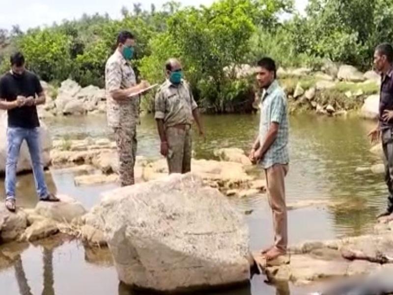 Shivpuri News: चोरी के मामले में फरार मामा-भांजे की हत्या कर शव जंगल में फेंका, जानवरों के  खाने से कंकाल ही बचा