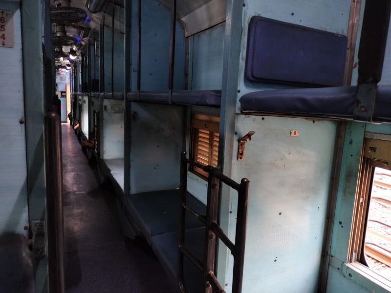 अब फिर पटरी पर दौड़ती दिखेगी देहरादून-इंदौर ट्रेन