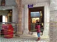 Jabalpur News: जबलपुर में सूने पड़े मंदिर, ऑनलाइन देवी के दर्शन कर रहे लोग