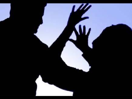 पत्नी ने पति पर लगाया जान से मारने की धमकी देने का आरोप, थाने में शिकायत