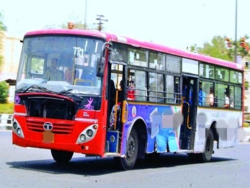 bhopal trafic news : गले में लटका रखा था लो फ्लोर बस के चालक ने मास्क, बस रोककर बनाया चालक का चालान
