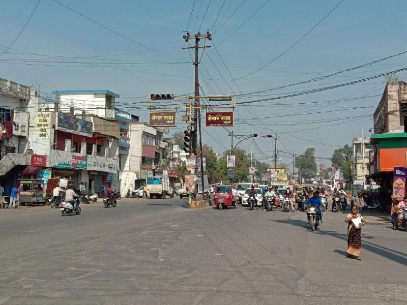 जबलपुर के बल्देवबाग में लेफ्ट टर्न नहीं होने से लग रहा जाम