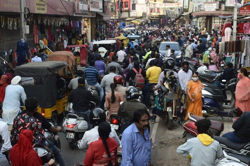 Jabalpur News:  बाजारों में टूट रहे कोरोना से बचाव के  नियम