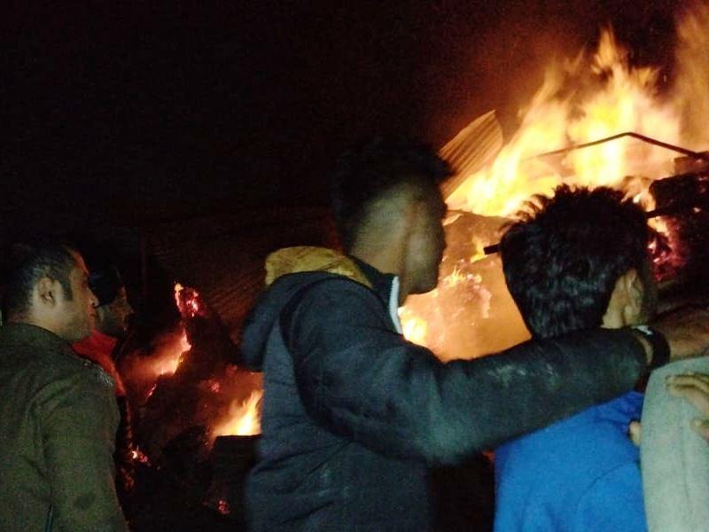 रीवा में कबाड़ की दुकान में भड़की आग, तीन फायर बिग्रेड ने पाया काबू