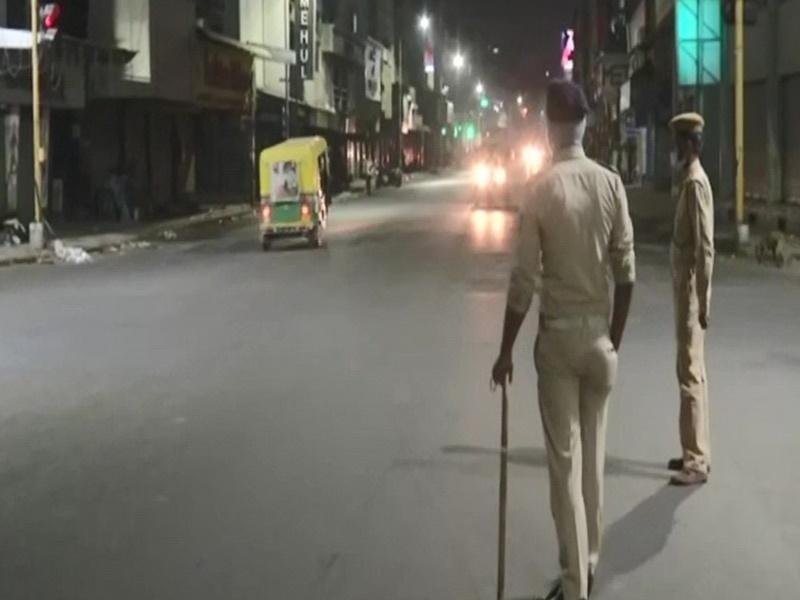 Corona Cases in Gujarat : अहमदाबाद, सूरत, वडोदरा और राजकोट में जारी रहेगा रात का कर्फ्यू
