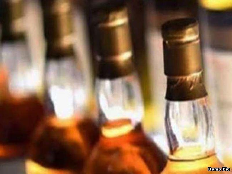 Shivpuri Crime News: ट्राले में बना रखा था खुफिया केबिन, खोला तो निकली 136 पेटी शराब