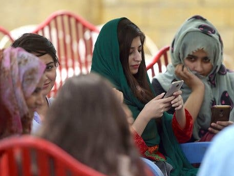 Google, Facebook, Twitter ने दी पाकिस्तान छोड़ने की धमकी, जानिए क्या है माजरा