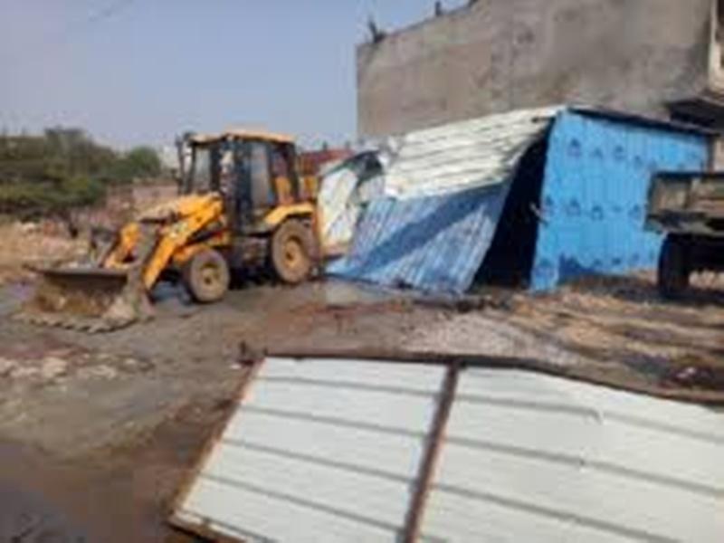 Gwalior Anti Mafia Campaign: 26 केसों में आरोपित ने सरकारी जमीन पर बना रखा था ढाबा, तोड़ा