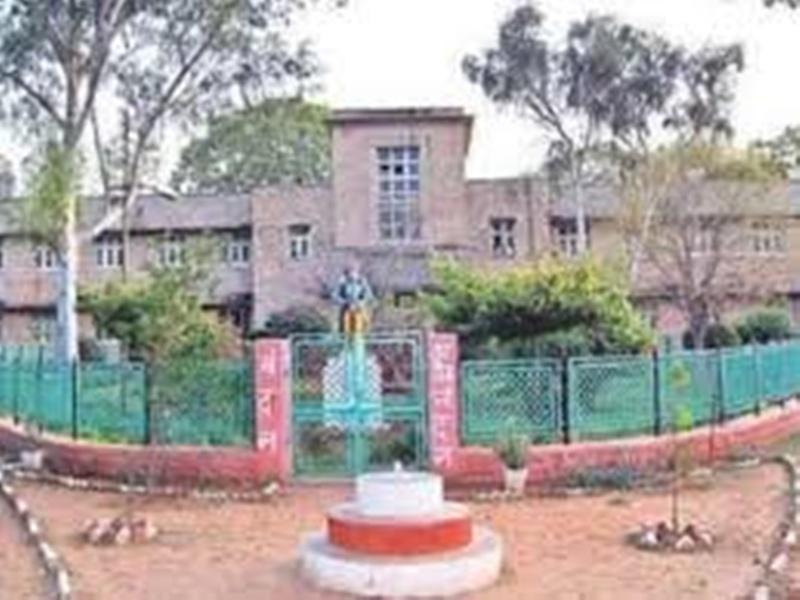 Gwalior Health News: डाक्टरों ने दिया जवाब तो 56 साल पुराने पैर के घाव का आयुर्वेद में मिला इलाज