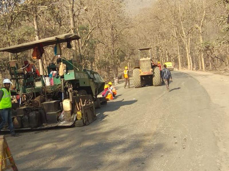 सीधी बस हादसा : छुहिया घाटी में सड़क मरम्मत का काम हुआ शुरू