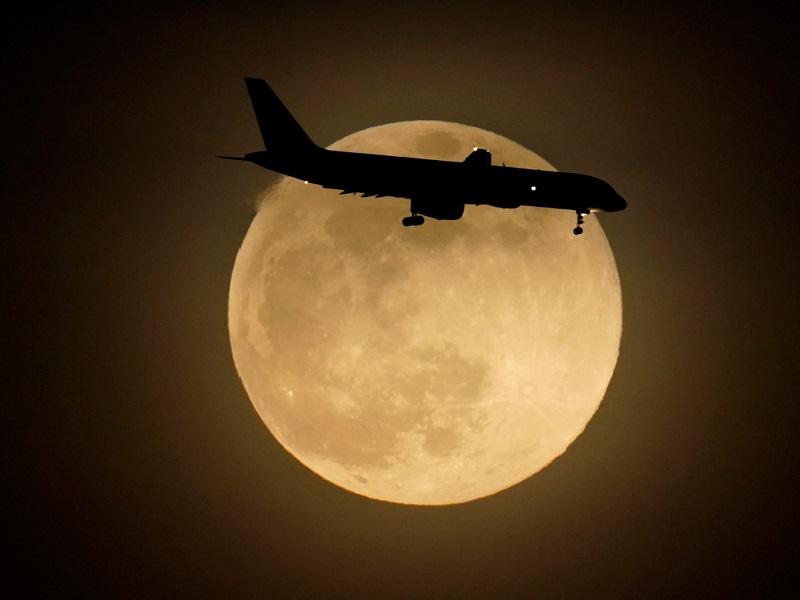 Super moon 2021: कल पृथ्वी के सबसे नजदीक होगा चंद्रमा, जानें इसकी खास बातें और समय