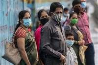 आलेख : महामारी के दौर में मास्क बगैर नहीं गुजारा - गोपालकृष्ण गांधी