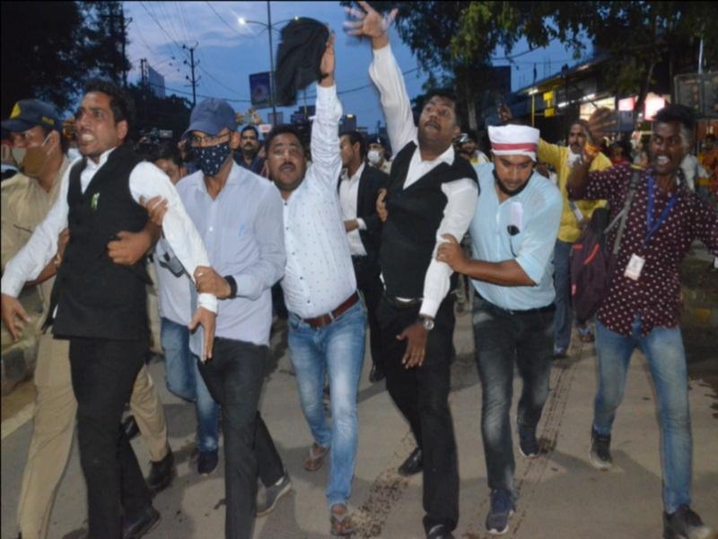 Gwalior Political News: सिंधिया की स्वागत यात्रा के विराेध में कांग्रेस ने दिया धरना, ओबीसी महासभा ने दिखाए काले झंडे