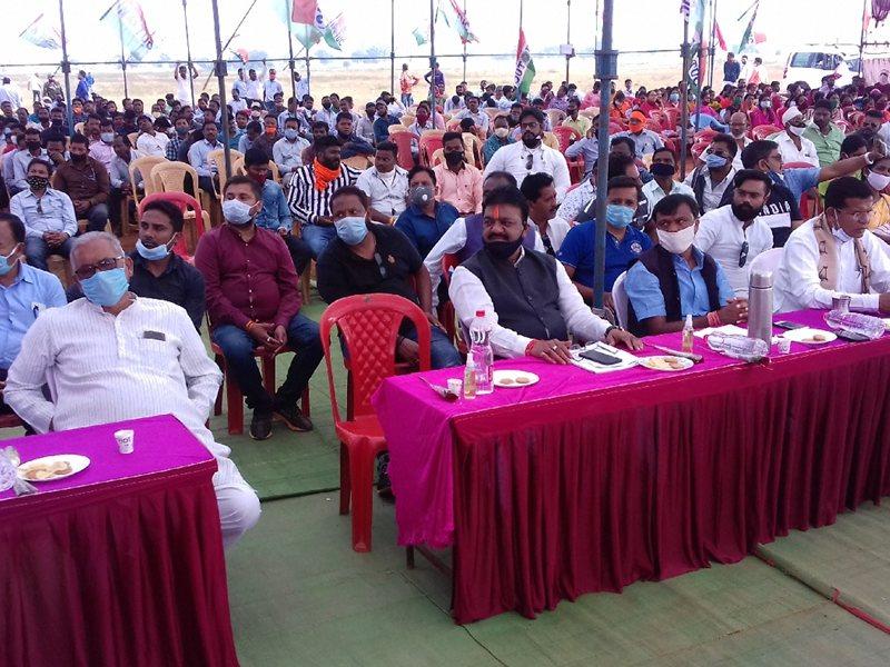 Jagdalpur News : आर्थिक नाकेबंदी, पेसा कानून के दम पर विनिवेशीकरण का विरोध