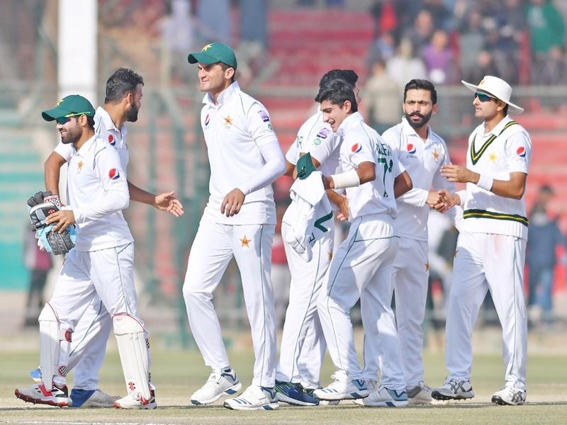 Pak vs Sl 2nd Test: पाकिस्तान की एतिहासिक जीत, 5वें दिन 15 मिनट, 16 गेंद में हुआ मैच का फैसला