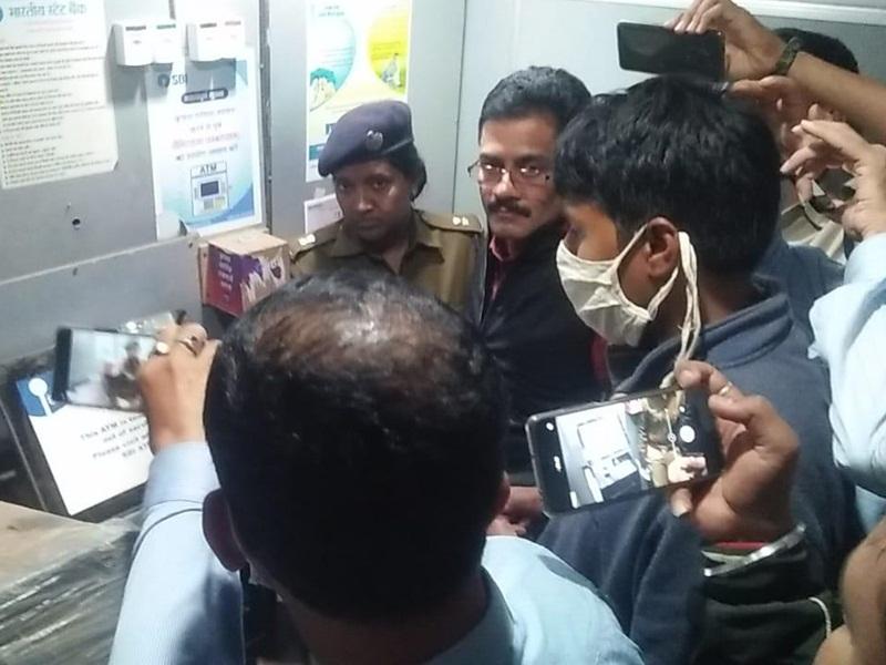 Chhattisgarh News: एटीएम में छेड़छाड़ कर एक करोड़ 81 लाख की ठगी करने वाले दो आरोपित गिरफ्तार