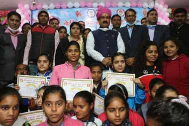 हमारे देश में ही जन्मभूमि का नाम भारत माता के रूप में सम्मान से लिया जाता हैः डा. मिश्रा