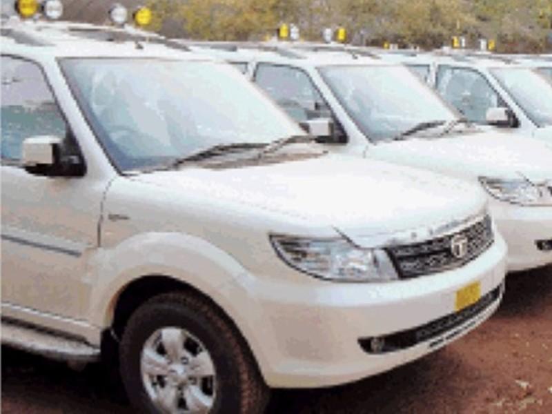 जबलपुर की सड़कों पर वाहनों का कब्जा, नहीं तय हो रही पार्किंग