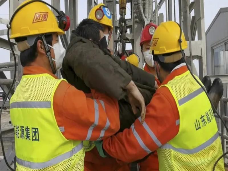 Gold Mine : यहां सोने की खदान में 14 दिनों से फंसे थे मजदूर, 11  निकले जिंदा