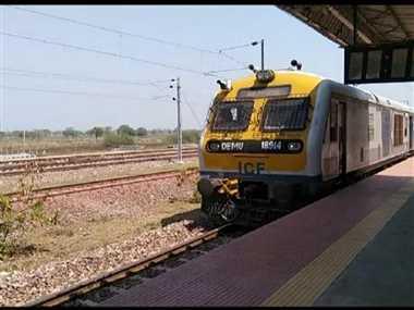 पांच माह से बंद रायपुर से केवटी ट्रेन चलने से लोगों को मिली राहत
