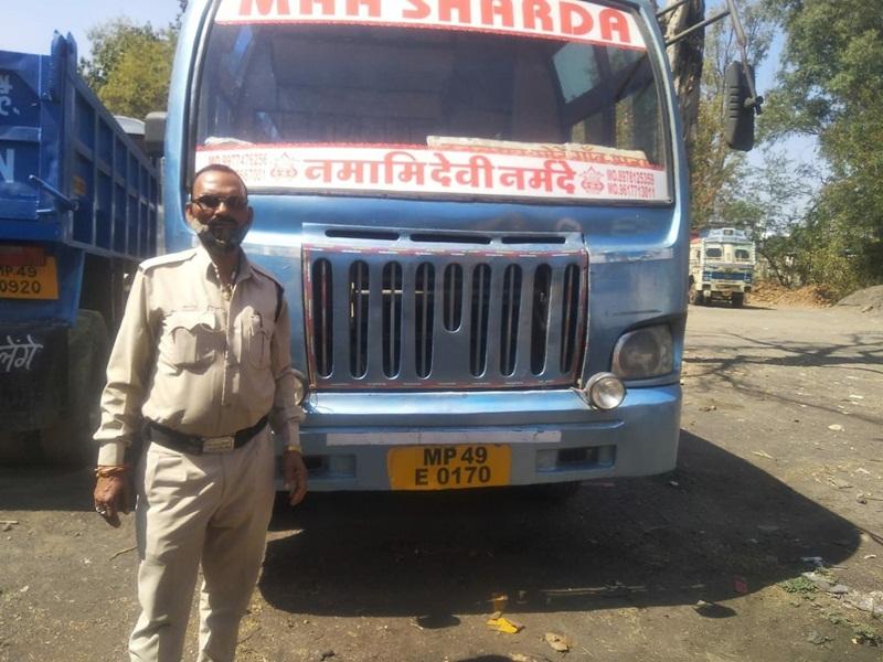 Jabalpur News: नियम का ज्ञान न कार्रवाई का भान, खतरे में यात्रियों की जान