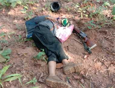 घायल नक्सलियों की खोज में जुटी पुलिस