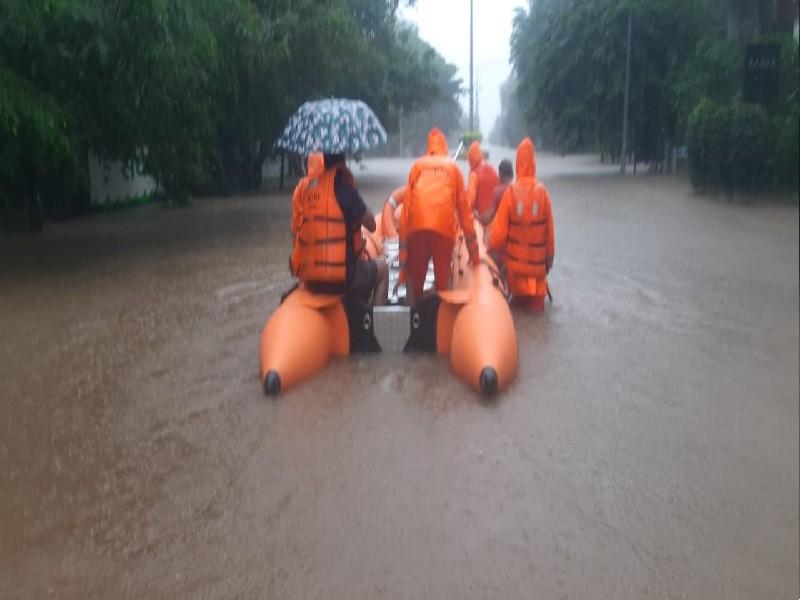 LIVE Maharashtra landslide: महाराष्ट्र में भारी बारिश, 136 की मौत, 84000 को रेस्क्यू किया, इन 6 जिलों में खतरा बरकरार