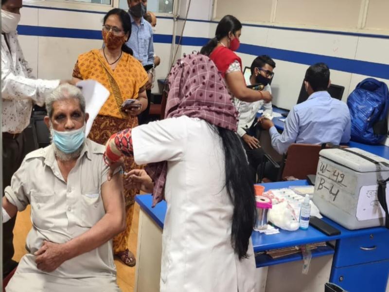 Corona Vaccination in MP: फर्स्ट डोज वैक्सीनेशन के मामले में मप्र शीर्ष पर, सीएम शिवराज ने जताया हर्ष