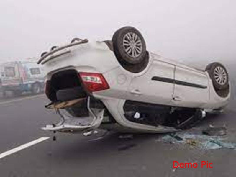 Indore Accident News: इंदौर के बड़गोंदा थाना क्षेत्र में बड़ा हादसा, कार पलटने से तीन की मौत