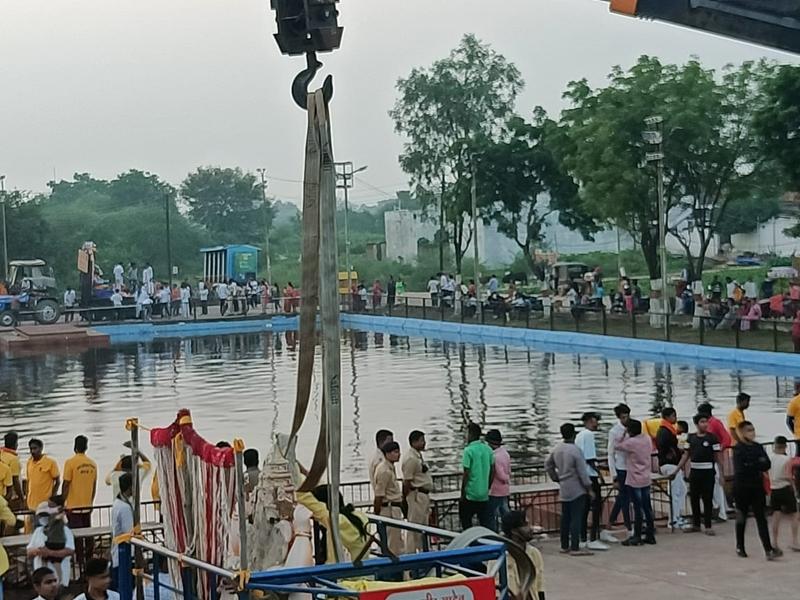 Ganesh Immersion: रायपुर में गणेश विसर्जन में लापरवाही बरतने के मामले में जोन एक के कमिश्नर हटाए गए