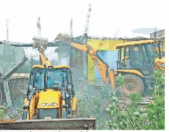 शिवपुरी: रसूखदारों के कब्जे पर चली प्रशासन की जेसीबी, तीन करोड़ की जमीन अतिक्रमण से मुक्त
