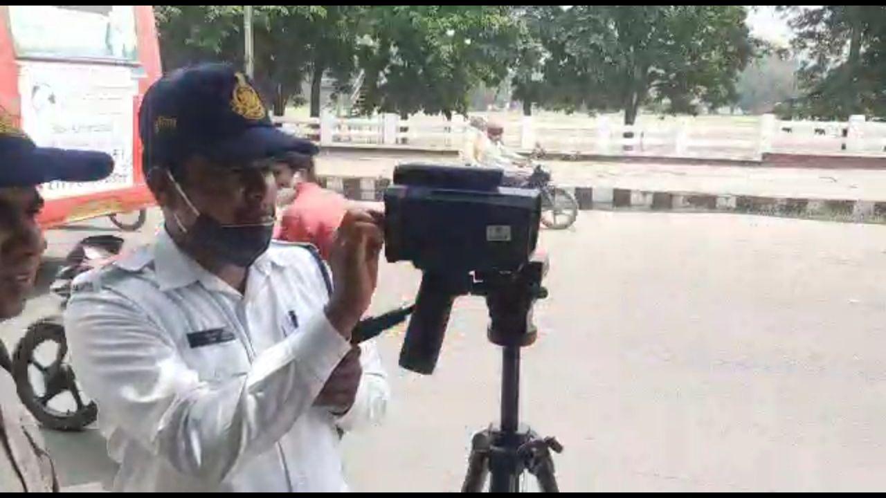 Bhopal News: भोपाल की सड़कों पर फर्राटा भरना पड़ेगा महंगा, ठुकेगा एक हजार का जुर्माना
