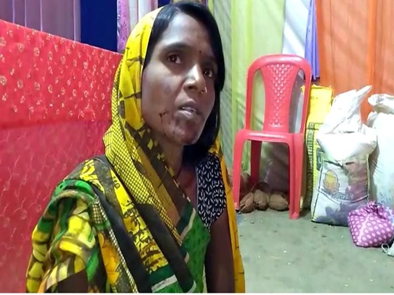 Damoh Video : संतान प्राप्ति की मन्नत हुई पूरी, महिला ने देवी मां को जीभ काटकर की अर्पित