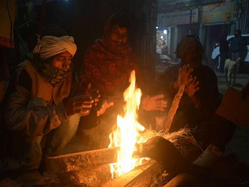 Indore Weather Update : एक दिन में दो डिग्री गिरा न्यूनतम तापमान