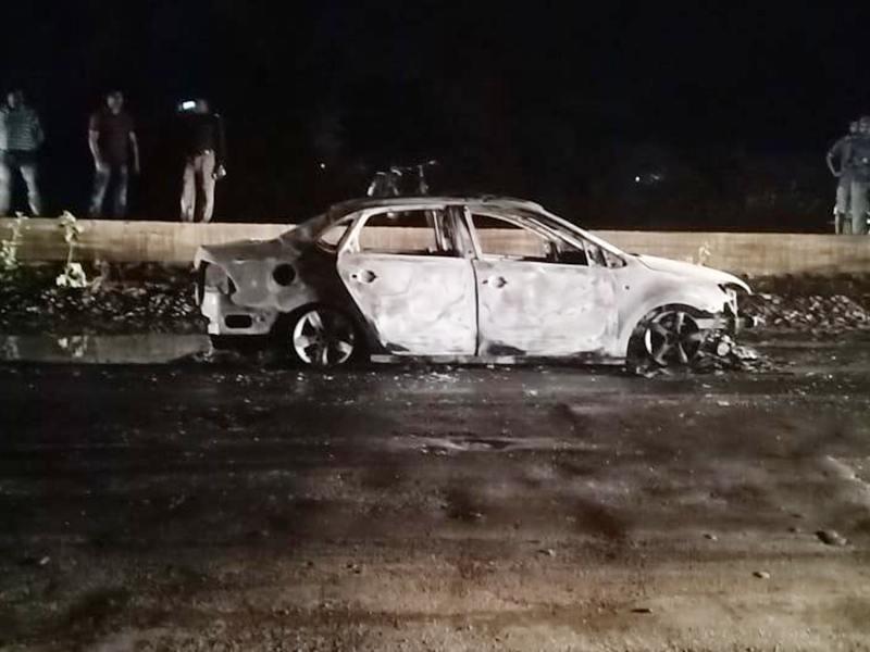 Road Accident news: धमतरी में चलती कार में लगी आग, बाल-बाल बची चार लोगों की जान
