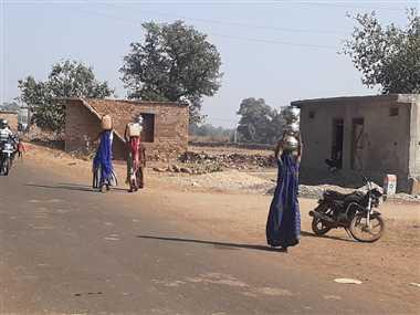 श्योपुर: पनवाड़ा गांव में गहराया पेयजल संकट, परेशान हो रहे ग्रामीण
