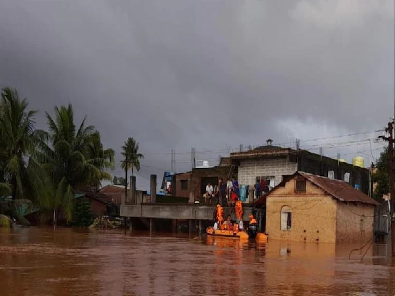 भारी बारिश से तबाही, महाराष्ट्र में 130 की मौत, कर्नाटक के लिए रेड अलर्ट, जानिए सभी अपडेट्स