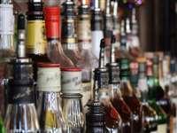 इस राज्य में अब शराब व बीयर होगी महंगी, 5 से लेकर 20 रुपए तक लगेगा सरचार्ज